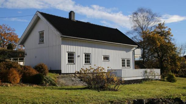 Nice house by the bay, 1 hour from Oslo