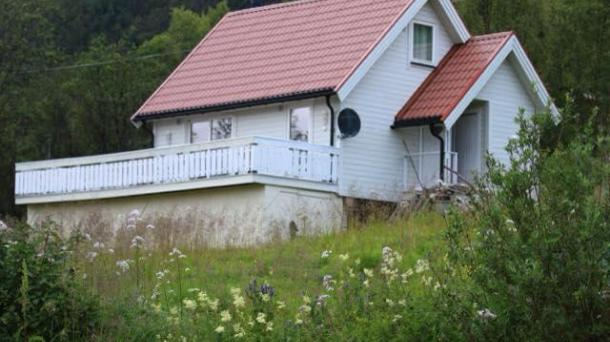 Cabin for rent in scenic surroundings at Senja